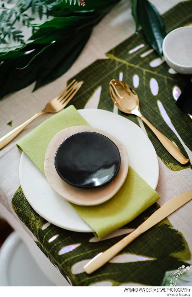 table + cloth greenry tablescape