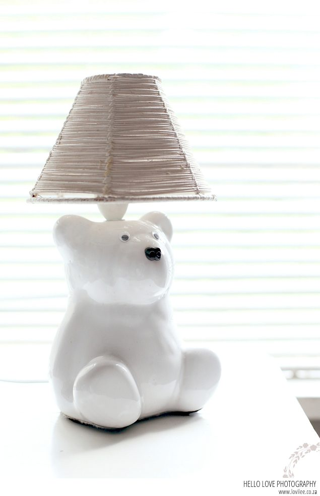 Polar bear nursery table lamp