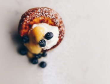 Blueberry and lemon curd Dutch baby recipe