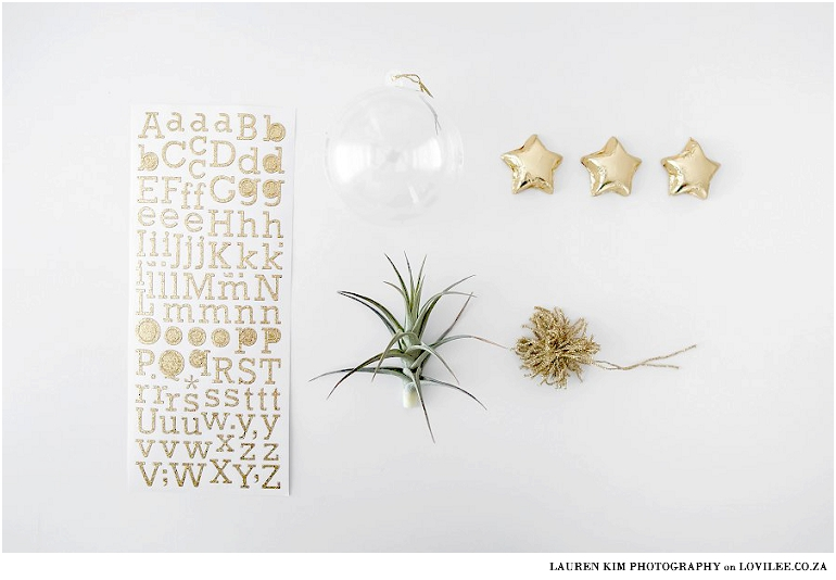 Fillable Christmas bauble DIY