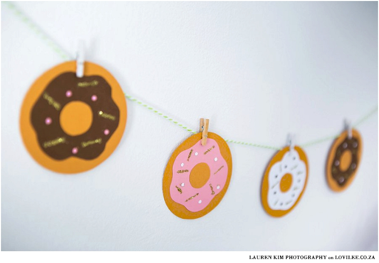 Paper donuts garland