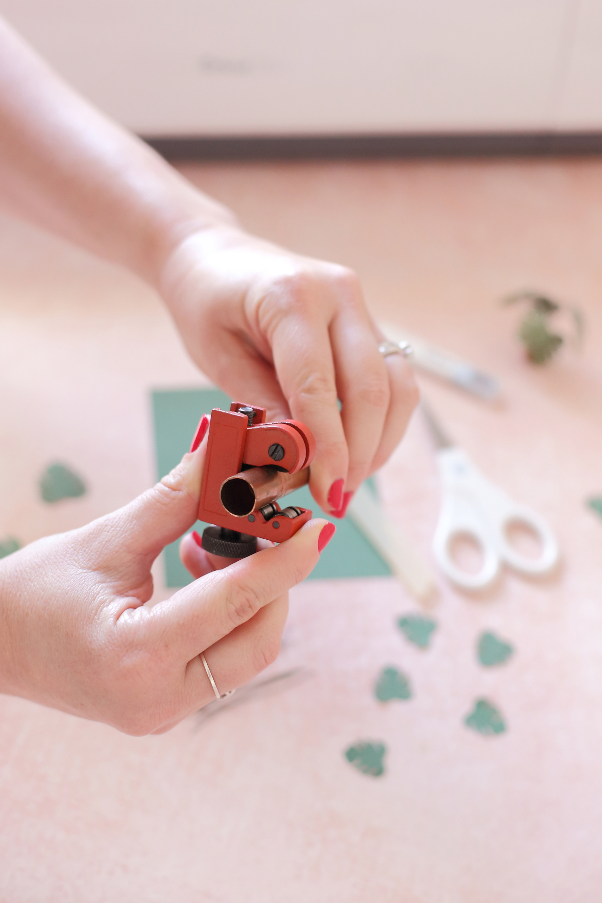 Make your own miniature paper craft Monstera plant